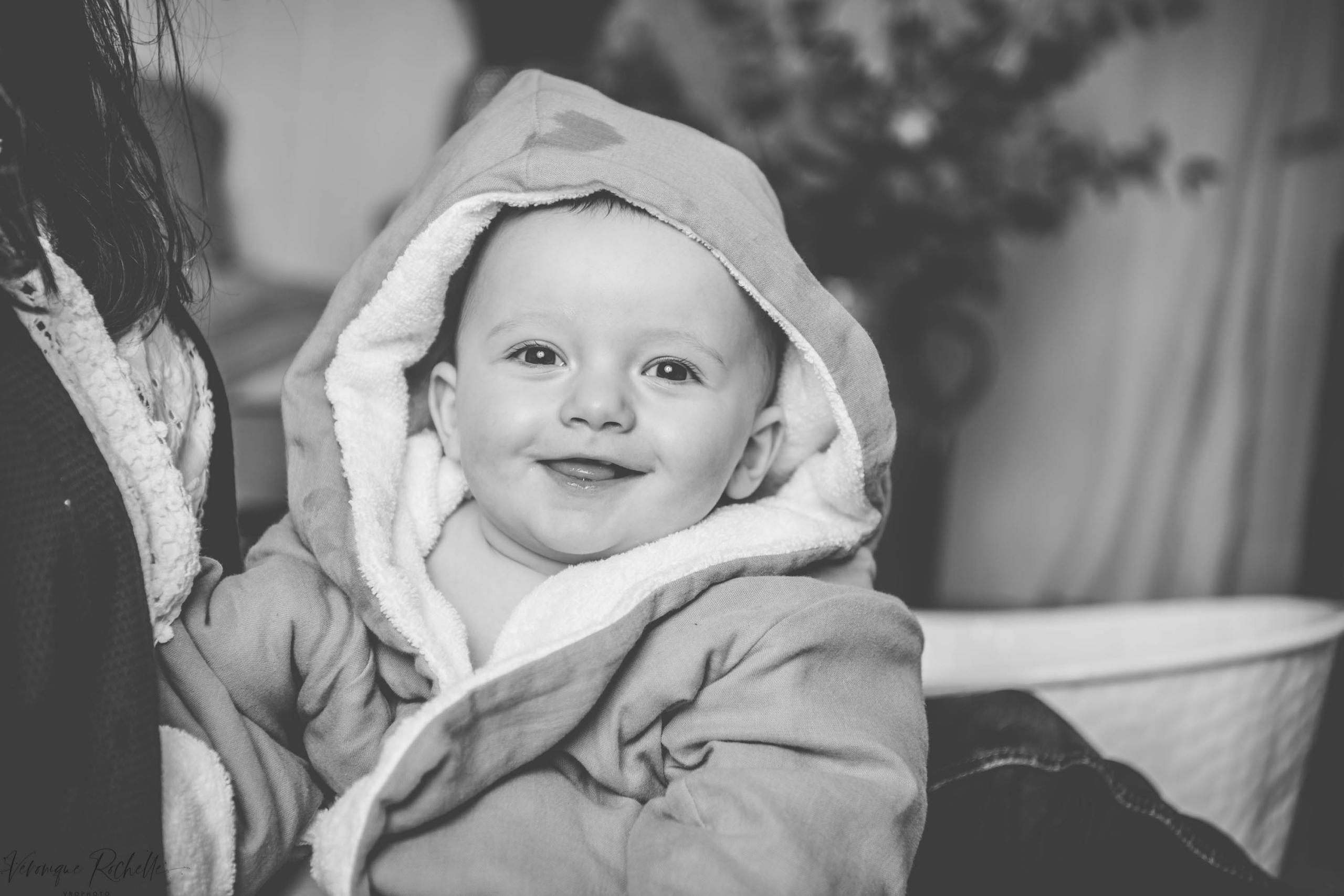 VRO Photo - Véronique Rochelle est une photographe d'enfant dans le secteur de Nantes - Rennes et sur toute la France